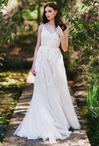 Eleanor- Romantic lace