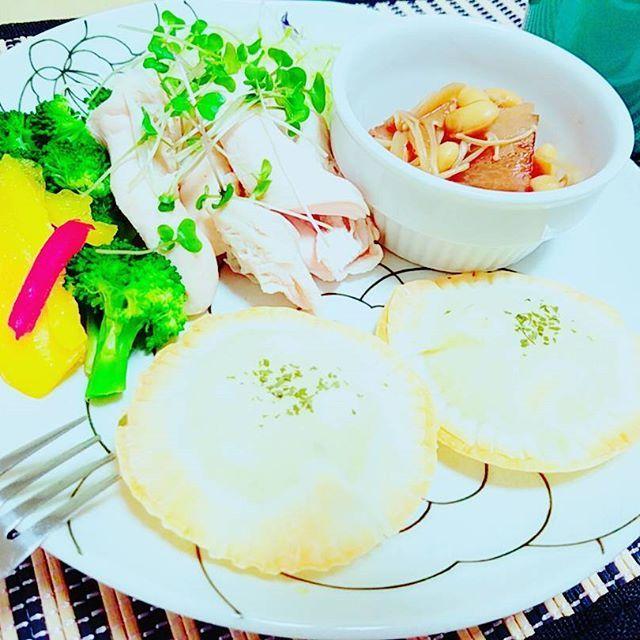 2016/11/16 17:43:04 ringos2mer 夕ごはん🙌 今日は一人ごはん🌼 市販のカルボナーラソースがあまってたからさつまいもと合わせて餃子の皮で包んだよ♪ ポテトパイ風♪ 美味しかった✨  #夕ごはん#晩ごはん#夕飯#夕食#おうちごはん#dinner#ワンプレート#food#foodporn #foodstagram #クッキングラム#cooking#ヘルシー#健康#料理#foodpic#ダイエット#筋トレ#美ボディ#ママ  #健康