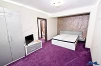Agentia Imobiliara DELUXE va prezintă oferta de inchiriere a unui apartament cu 1 camera situat in Galati, zona Siderurgiștilor, la etajul 1 al unui bloc P+4 construit in anul 1986.
