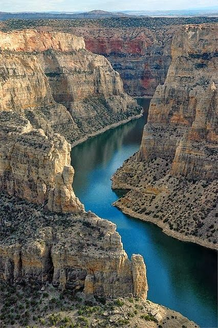 Big Horn Canyon: An amazing summer stop for boating and cliff jumping just a short drive from #Billings @MTsTrailhead.