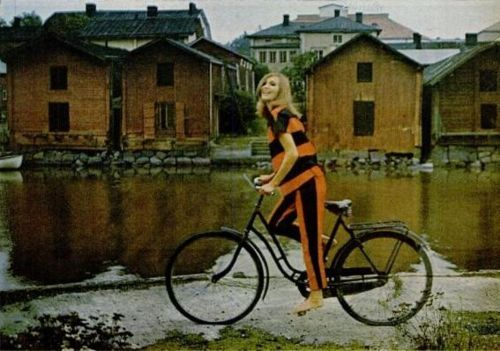 Model in Marimekko in LIFE magazine, town: Porvoo, photo Tony Vaccaro, June 1966 Ludwig & Vilgot