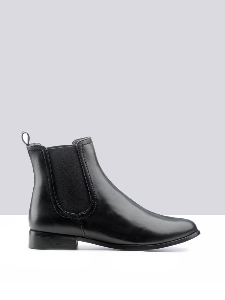 Boots and ankle boots in an array of sizes and calf widths.