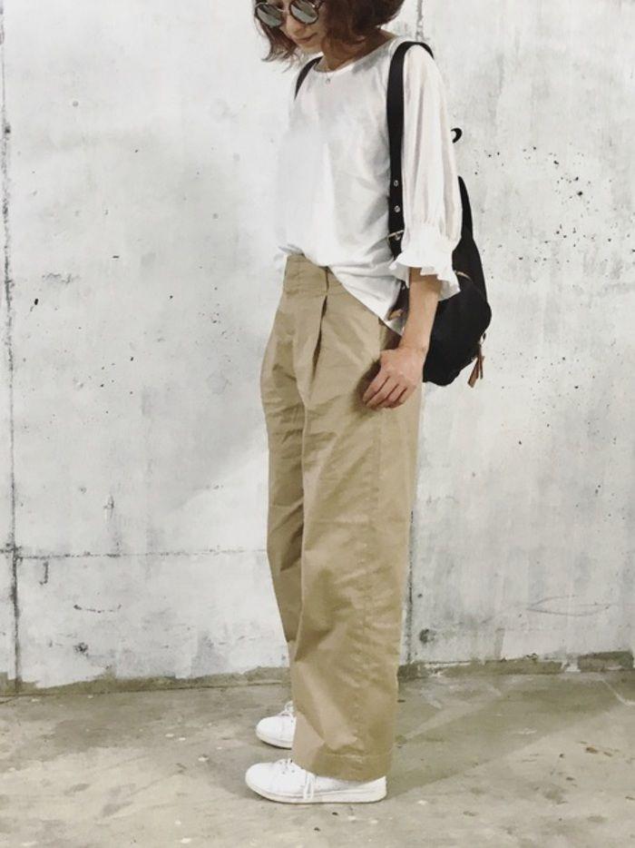 夏は明るいベージュのチノ ワイド スカートなどアイテム別の着こなしをチェック キナリノ 夏 ファッション ファッショナブルな服 ファッションスタイル