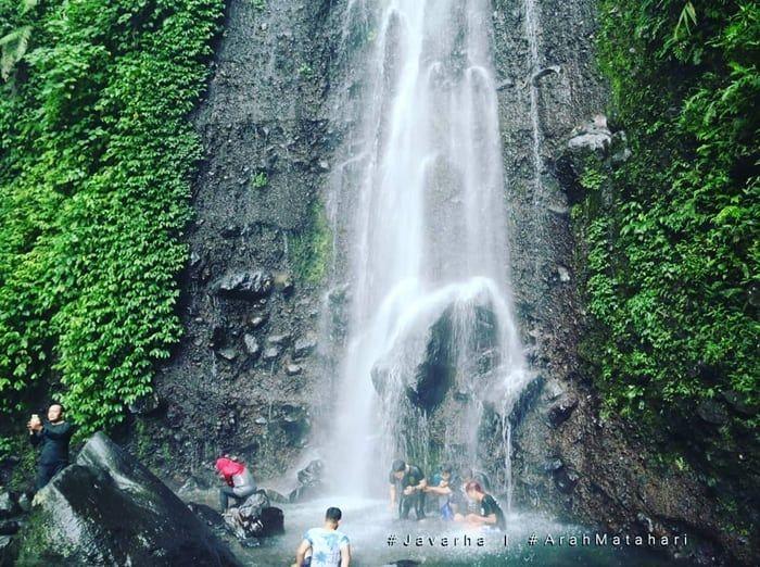 Curug Nangka Air Terjun Di Bogor Yang Indah Di 2020 Air Terjun Air Indonesia
