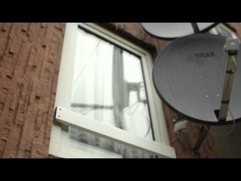 ▶ Himlen Over Os - Yahya Hassan - YouTube