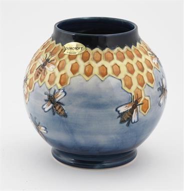 Lot 352 – `Honeycomb` a Moorcroft Pottery – Clarice Cliff & Art Deco 05 Mar 2014