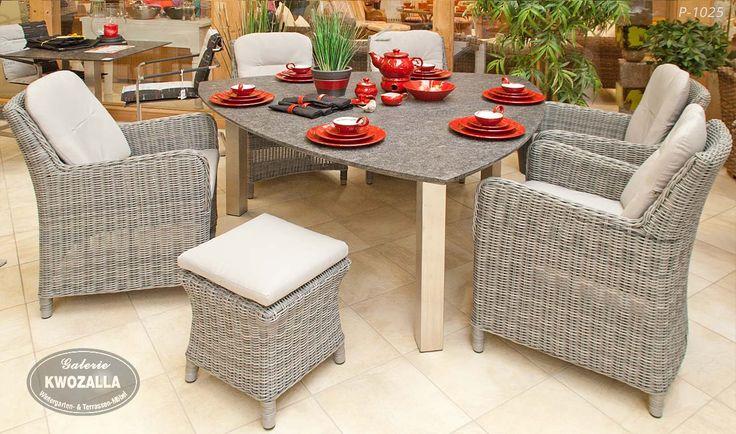Schon Gartensessel + Hocker Aus Polyrattan, Dreieckiger Tisch Das Gestell Aus  Edelstahl Und Tischplatte Aus Granit