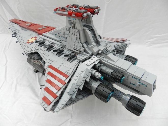 This is my custom Venator-Class Star Destroyer model; for a full photo gallery, please visit: https://ideas.lego.com/projects/83025 Also, please support my project at the above link to make it an actual Lego product!