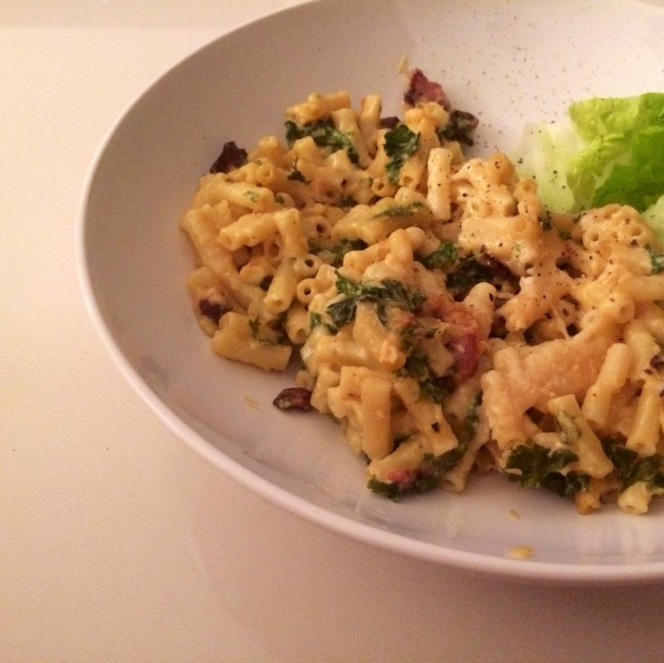 Baked White Cheddar Mac n Cheese with Kale and Bacon www.goodlifeeats ...