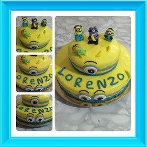 Questa è la torta per il 5° compleanno di mio figlio Lorenzo, che adora i Minions.. Le torte sono due pan di spagna alla vaniglia con aggiunta di colorante