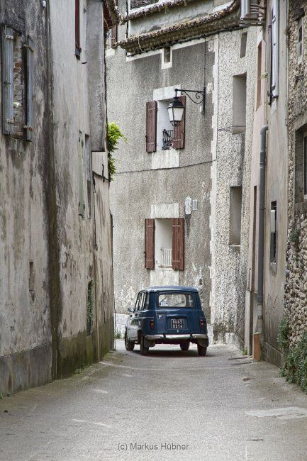 25 best ideas about renault 4 on pinterest citroen ds bmw isetta and renault 5. Black Bedroom Furniture Sets. Home Design Ideas