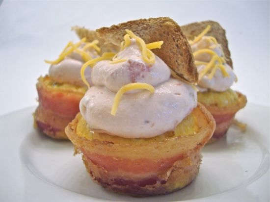 "Bacon and Egg Cupcakes with Cream Cheese Salsa ""Frosting"" - Chow Bella"