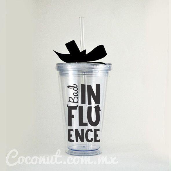 """Vaso con popote """"Bad Influence"""" con listón negro disponible en www.coconut.com.mx Síguenos en Facebook https://www.facebook.com/coconutstoremx/"""