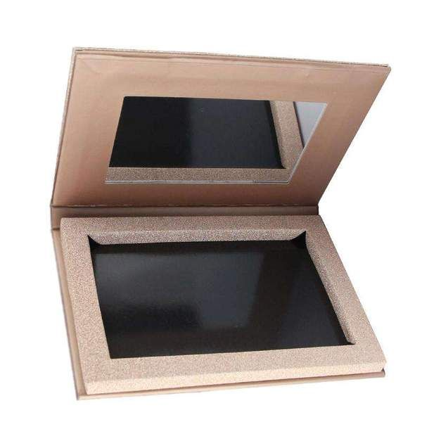 This rose gold magnetic palette pan is used for making a custom palette of anything from eyeshadows to contour shades. The magnetic pan also comes with a mirror