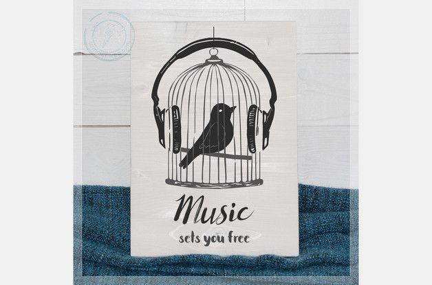 Wanddeko - Music sets you free - Holzschild opt. mit Namen - ein Designerstück von Sommerweg bei DaWanda