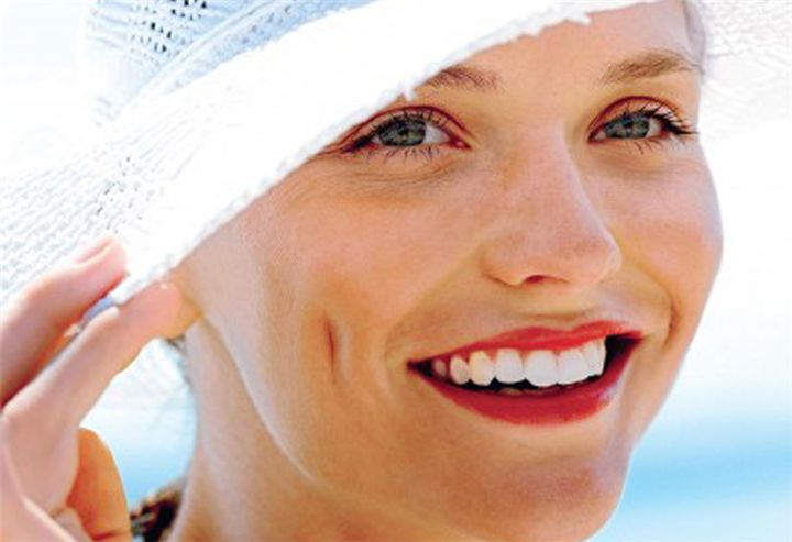 Φυσικές θεραπείες για τις μαύρες κηλίδες και τις πανάδες στο πρόσωπο - Filenades.gr