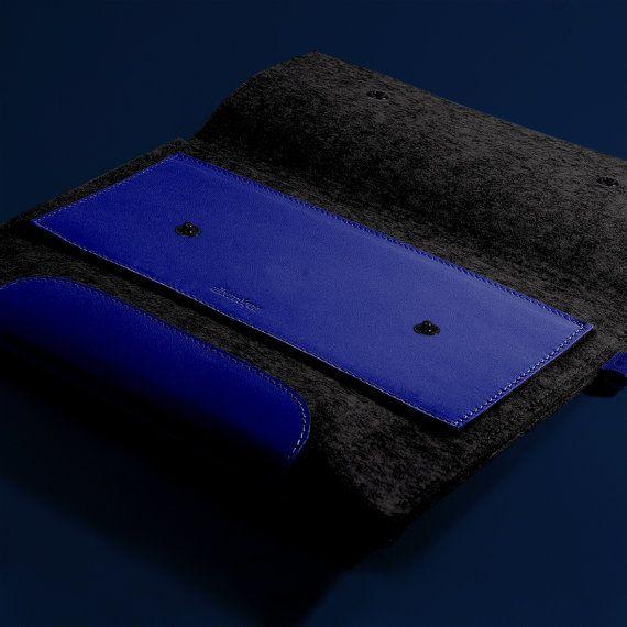 Macbook Pro 13 pulgadas. Piel Azul Nazareno & por Albercoque