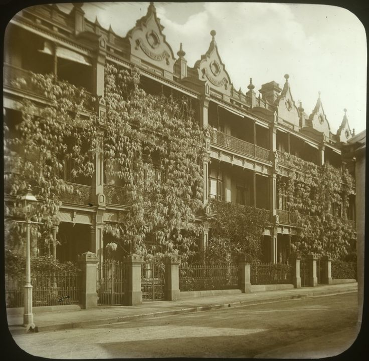Tamworth Mansion, Elizabeth Bay Rd,Potts Point,in the eastern suburbs of Sydney in c1900.Photo from Dictionary of Sydney.A♥W