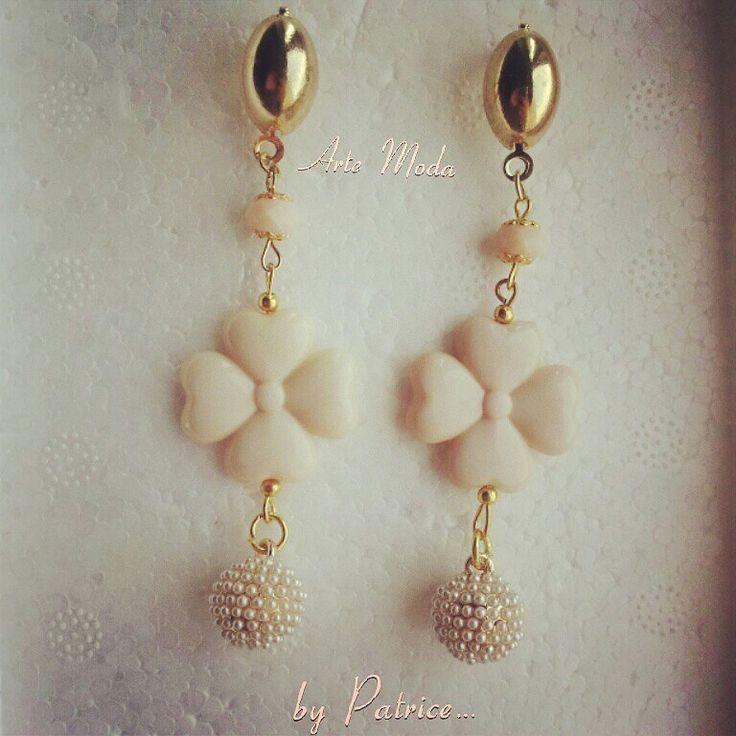 Modello Iris...#handmade#earrings#earringsfashion#bijoux#accessori#madeinitaly#style#designer#love#flowers#cooors#fashion#fashionjewels#woman#girls#etsy#etsyjewels#info#depop#instagram#facebook#italia
