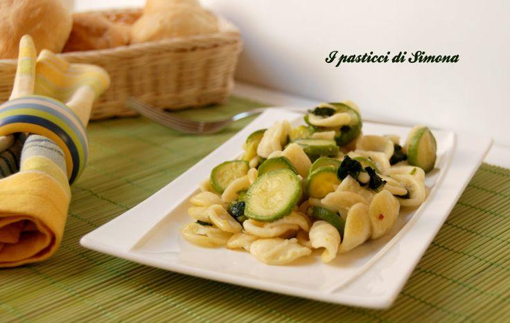 Orecchiette zucchine e spinaci