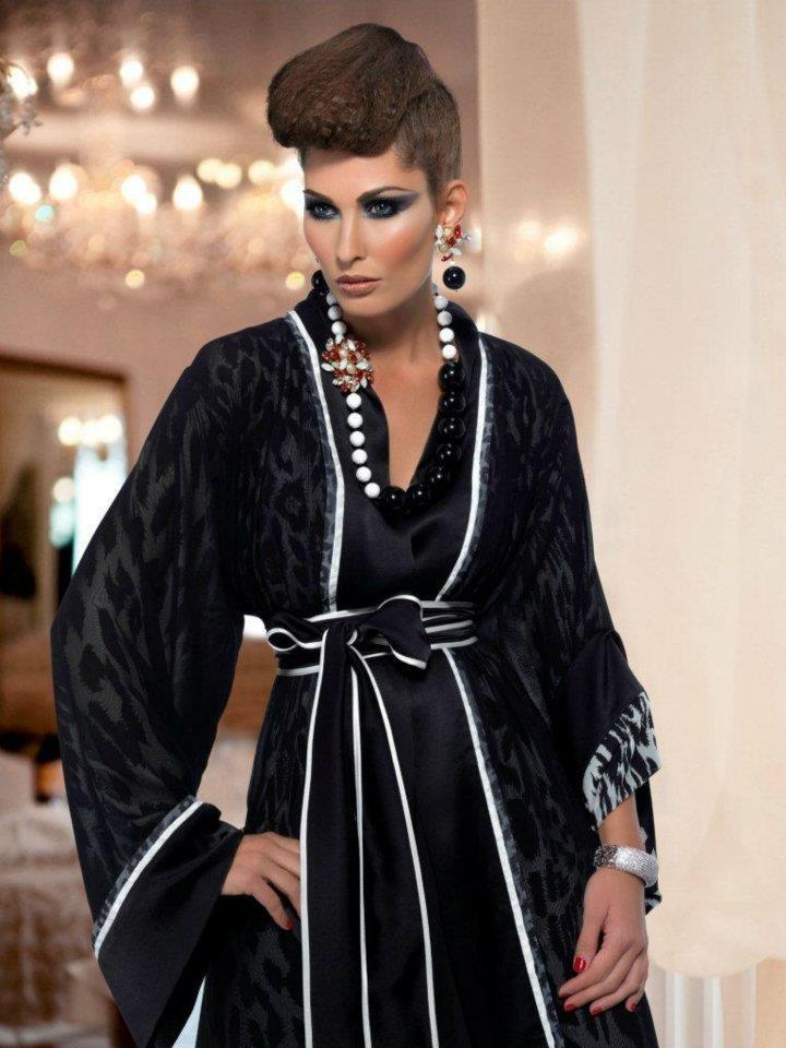 Dar Al Waad, Abaya, bisht, kaftan, caftan, jalabiya, Muslim Dress, glamourous middle eastern attire, takchita