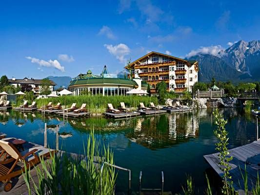schwarz 20002 ba 1920 1200 Top 10  Resort & Spa in the World