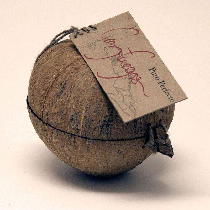 coconut shell eco packaging. a second life to a previously used object of nature.