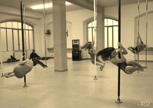Xmas recital 2015 at Studio Pole Dance in Monza