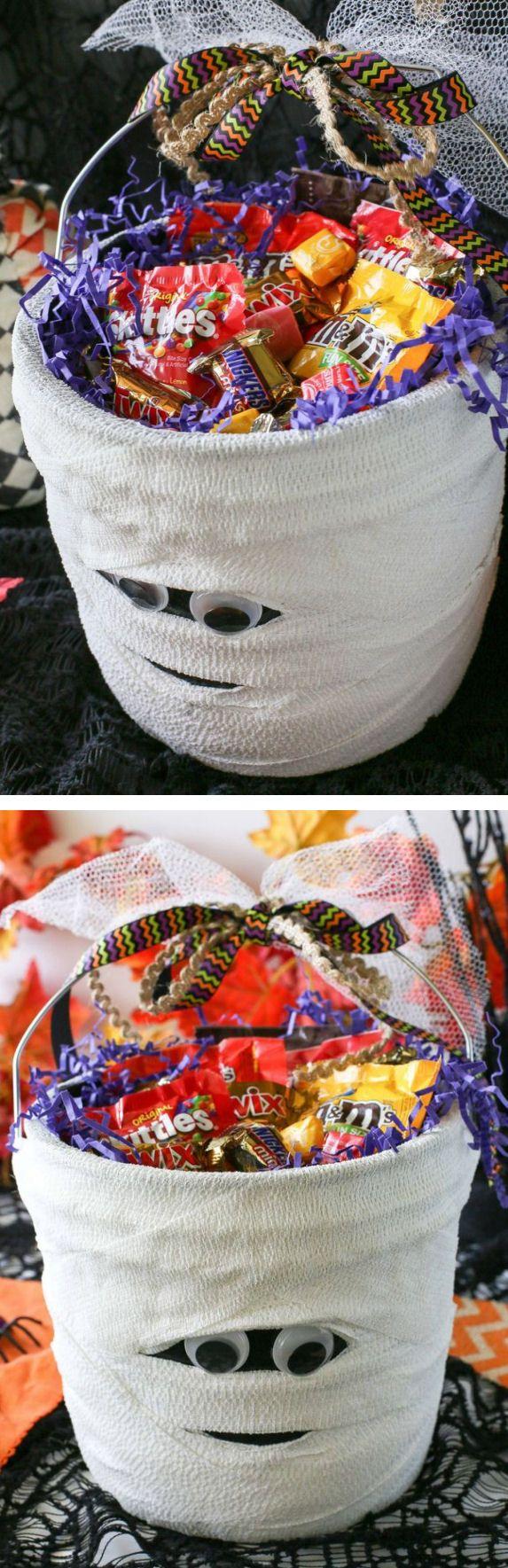 DIY Mummy Candy Bucket #Halloween #BooItForward