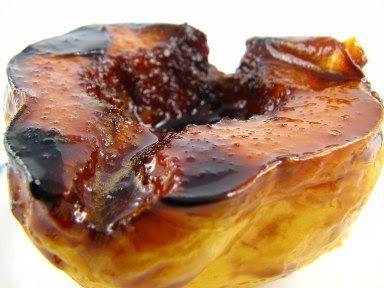 Cinco Quartos de Laranja: Marmelos assados com calda de vinho do Porto e especiarias