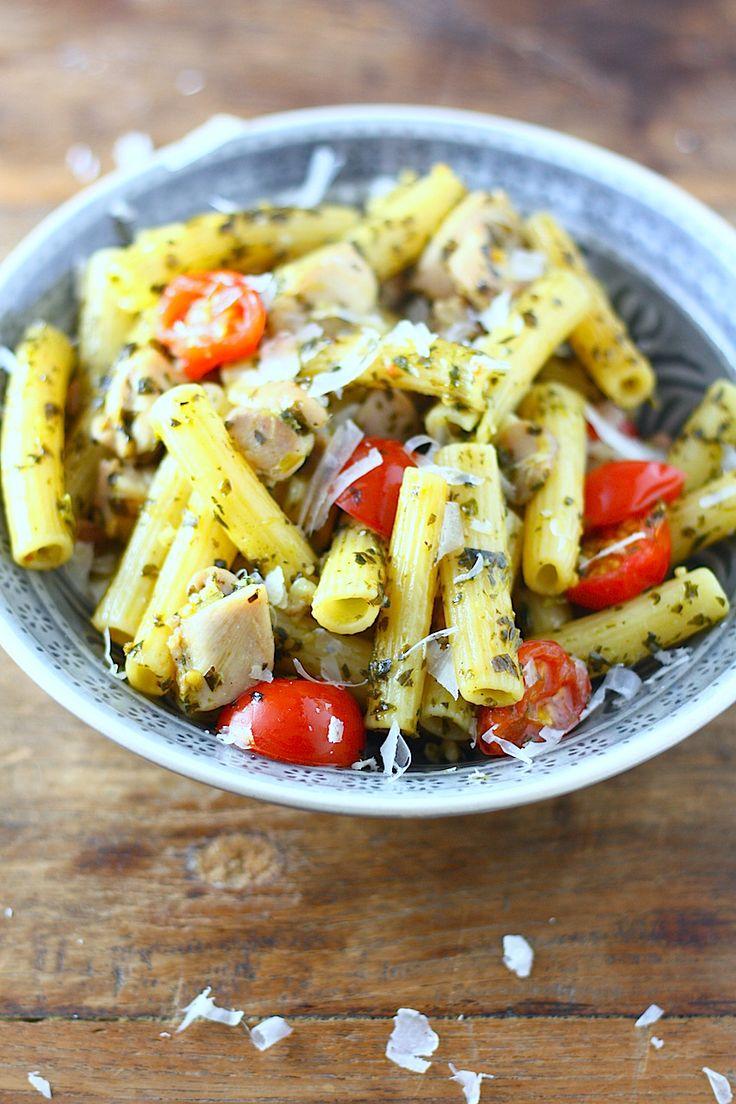 Pasta met kip en boerenkoolpesto - Francesca Kookt