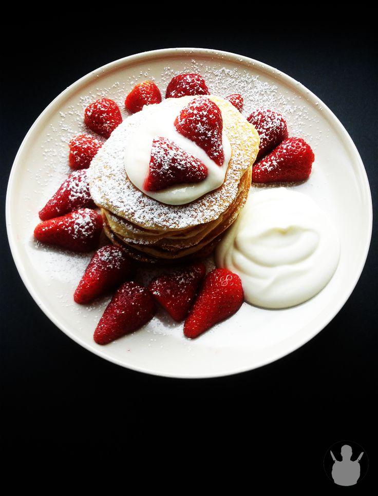 Pyszne pancakes z truskawkami i śmietaną | MR. CHEF - COOK'S BLOG