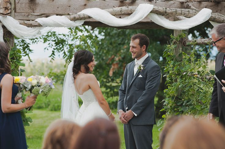 Late Summer Backyard Ceremony in Leamington, ON // Photo Credit: Tide and Velvet — Lifestyle Wedding Photography
