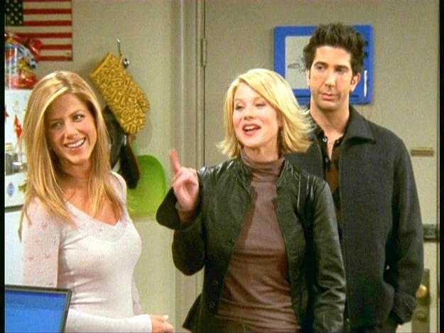 Christina Applegate guest stars on FRIENDS as one of Rachel's sisters