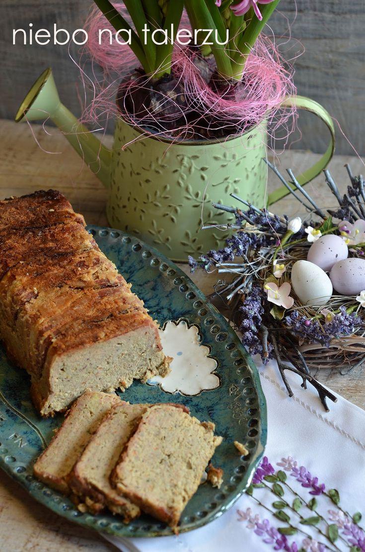 Pasztet z kurczaka i kaszy jaglanej, zdrowsza wersja pasztetu nie tylko na święta. Dobry, łatwy przepis na zdrowy dodatek do kanapek i przystawkę.