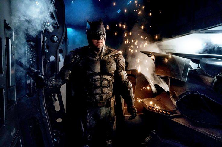 Batman's tactical suit Justice League revealed
