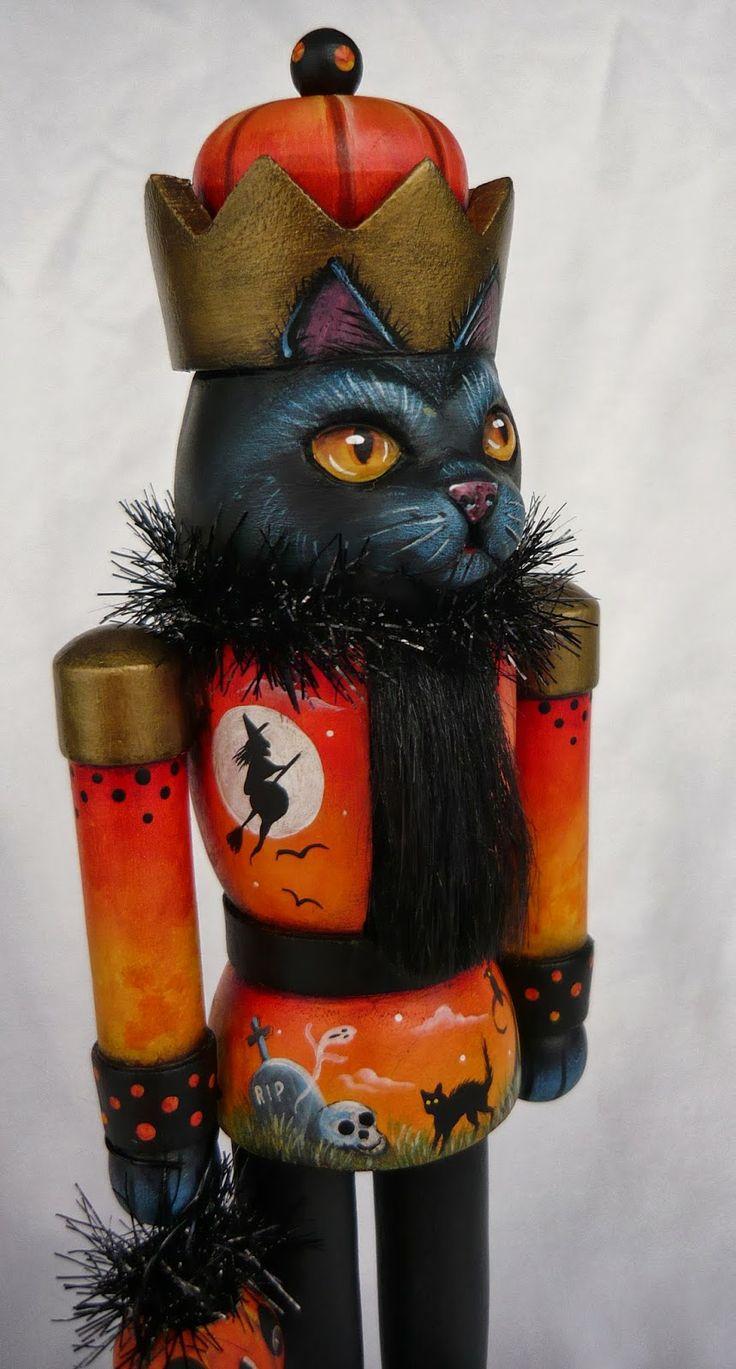 MAGIC BRUSH STUDIO: OOAK HALLOWEN BLACK CAT NUTCRACKER - detail