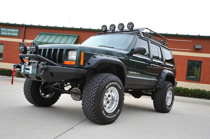 Cherokee XJ Sport Lifted Nicest in Country Fully Built