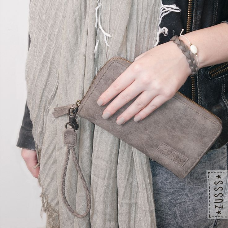 Zusss l Portemonnee taupe l http://www.zusss.nl/product/zusss-portemonnee-taupe/