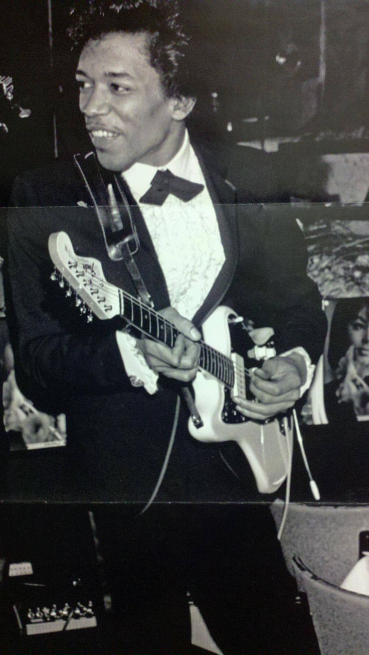 Doesn't look like his flamboyant self here, but I like the nice smile! --Pia (Jimi Hendrix)