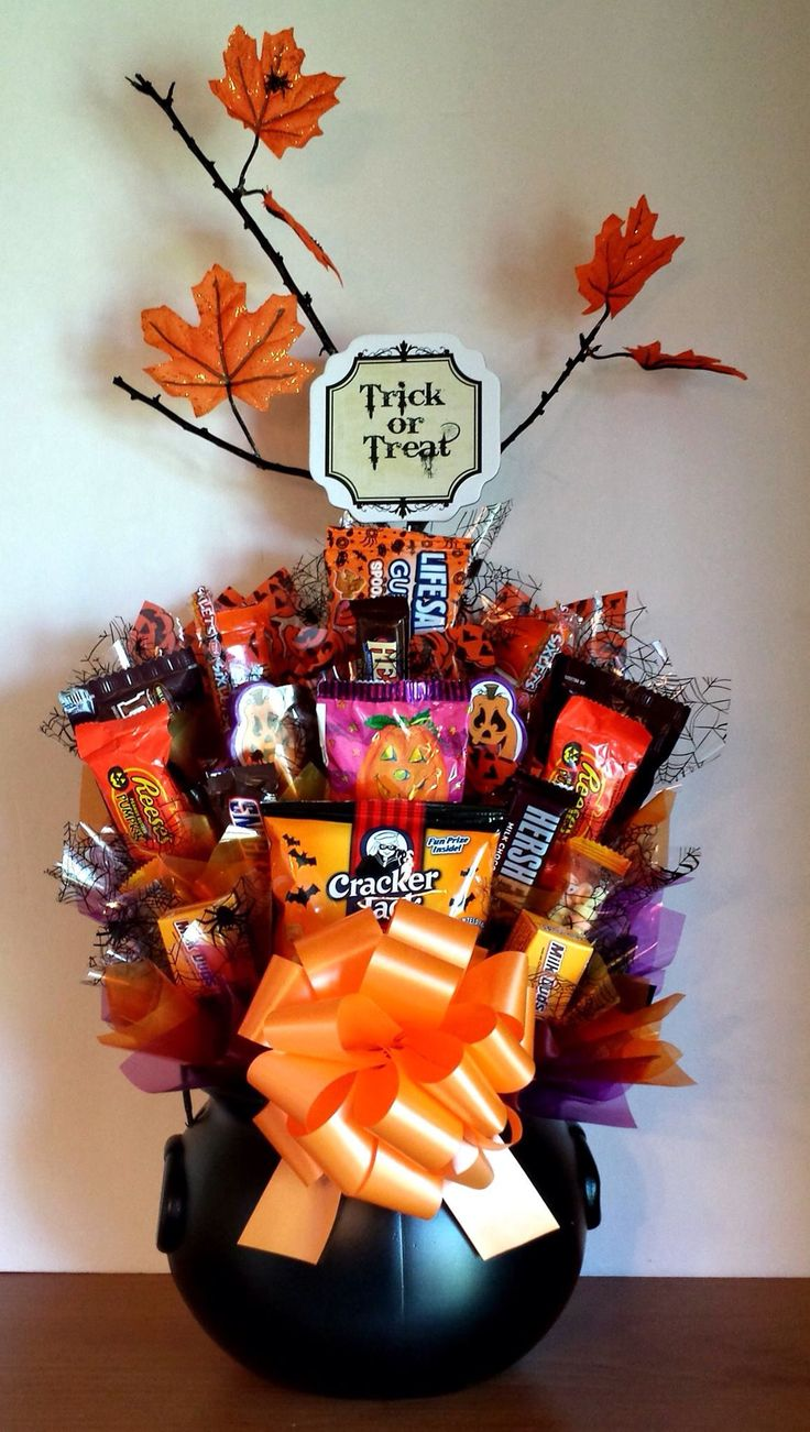 Top 25+ best Halloween baskets ideas on Pinterest | Halloween ...