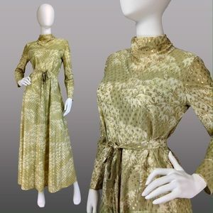 VINTAGE MAXI DRESS 70s Gold Maxi Dress LESLIE FAY. Check it out!