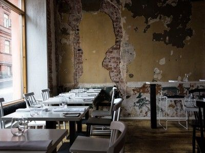 Helsinki is a buzzy foodie city in the cutting-edge of Finnish new cuisine. The innovative use of Finnish ingredients as part of the New Nordic tasting menu and a laid-back atmosphere is what Helsinki's bistros are all about.