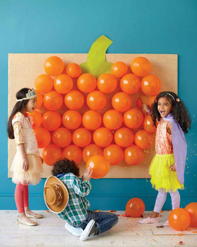 pumpkin balloon game this would be so fun for a halloween party