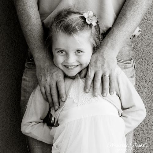 I love this father and daughter pose, to me it means Daddy will always be there looking after you, protecting you...