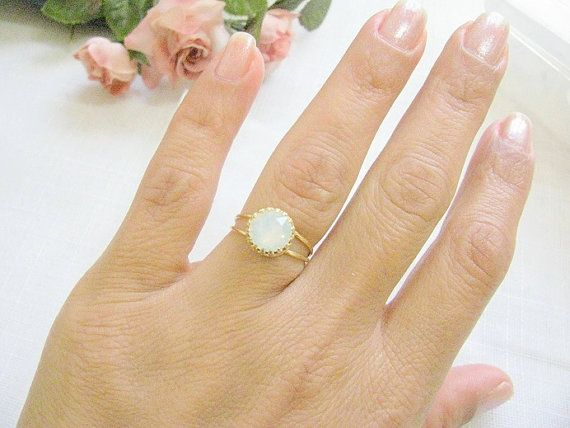 Gold opal ring, gold ring with white opal crystal,  vintage ring, bridal jewelry, opal ring,
