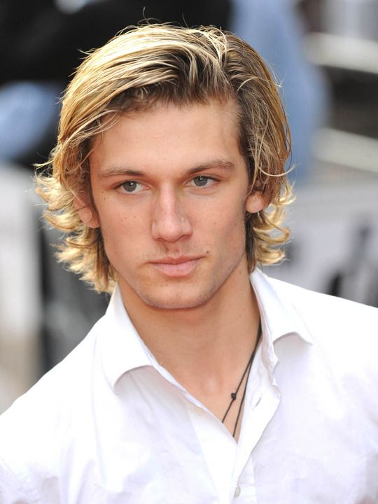 Google Image Result for http://mockingjay.net/wp-content/uploads/2012/02/Alex-Pettyfer.jpg%3F9d7bd4