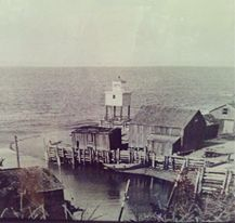 old photo of hall's harbour lighthouse