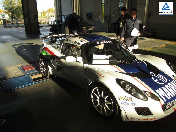 Hoy os traemos este precioso Lotus Exige de competición pasando su itv en nuestra estación en Sanse. ¡Y es que todo tipo de vehículos tienen que pasar la inspección reglamentaria! #itv #sanse #lotus #lotusexige #vehiculo #competicion #race #racing #seguridad #seguridadvial
