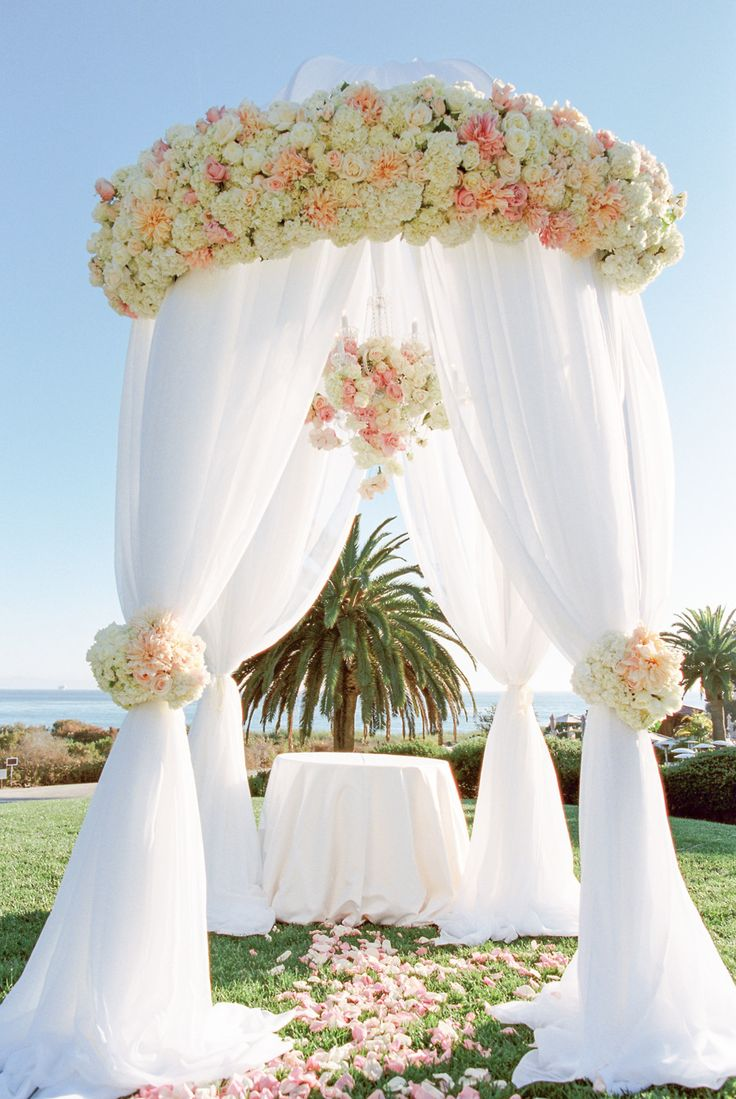 Gorgeous ceremony set up!! Photography: Michael & Anna Costa Photography - michaelandannacosta.com